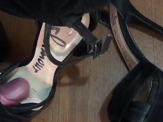 Pizzazz heels cumshot