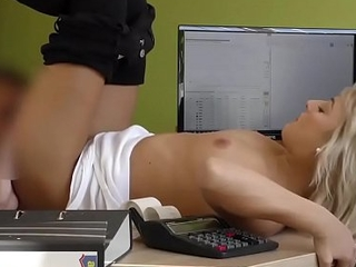 LOAN4K. Brilliant platinum-blonde latitudinarian gets money after sex with agent