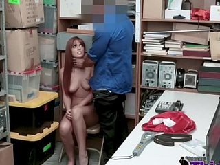 Redhead'_s tender pussy opening be beneficial to the camera increased by the guard'_s cock