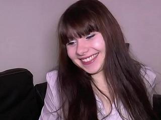 Luna Rival, 18 ans et d&eacute_j&agrave_ dingue de sodomie